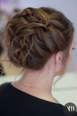 Аккуратно собранные волосы прическа на свадьбу