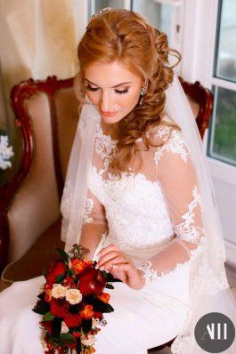 Греческая коса на бок от стилиста Анастасии Швабской