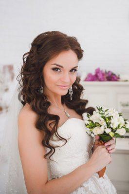 Нежные локоны на свадьбу от топ-стилиста Анастасии Соколовой