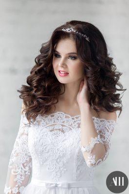 Объемные локоны на свадьбу от свадебного стилиста Анастасии Швабской