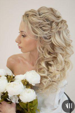 Шикарная прическа греческая коса на свадьбу