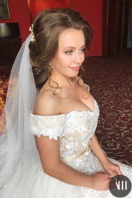 Шикарная прическа и макияж для невесты