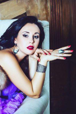 Свадебный макияж с красной помадой от стилиста Татьяны Маковской