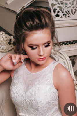 Нежный свадебный макияж и аккуратная прическа от Ирины Молчановой