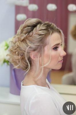 Шикарная свадебная прическа с плетением и макияж от стилиста Маргариты Соловьевой