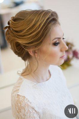 Аккуратная свадебная прическа на короткие волосы