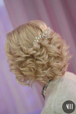 Локоны на свадьбу на короткие волосы