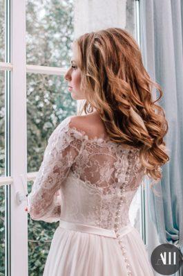 Нежные локоны на свадьбу