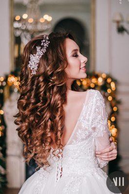 Нежный свадебный образ с локонами от стилиста Ирины Молчановой