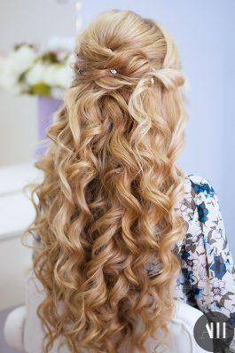 Шикарные локоны на свадьбу на длинные волосы