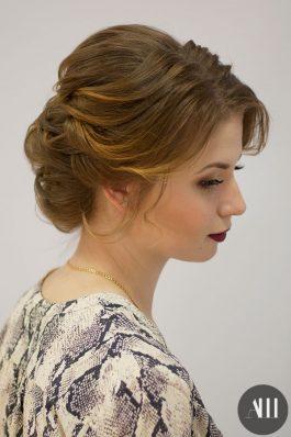 Свадебная прическа из собранных коротких волос