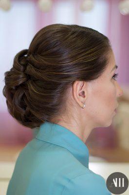 Свадебная прическа низкий пучок набок