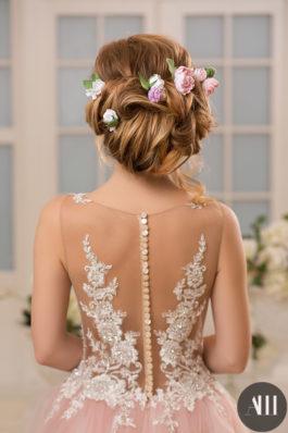 Свадебная прическа собранные волосы с живыми цветами