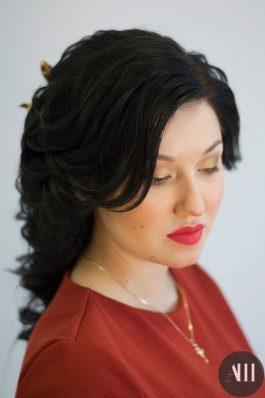Яркий макияж на свадьбу с алой помадой