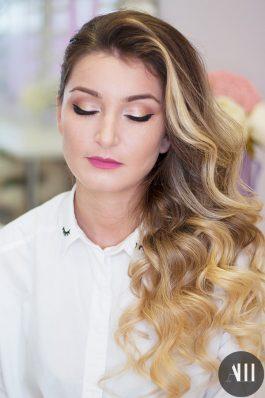 Яркий макияж со стрелками для невесты