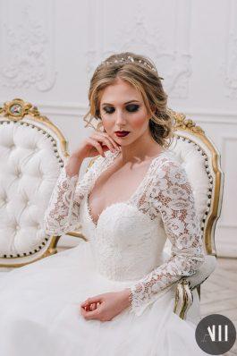 Яркий свадебный макияж и нежная прическа от стилиста Марины Емельяновой